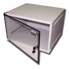 Шкаф коммутационный Lanmaster Lite (TWT-CBWL-4U-6X4 ) 4U 600x450мм пер.дв.стекл несъемн.бок.пан. 30к